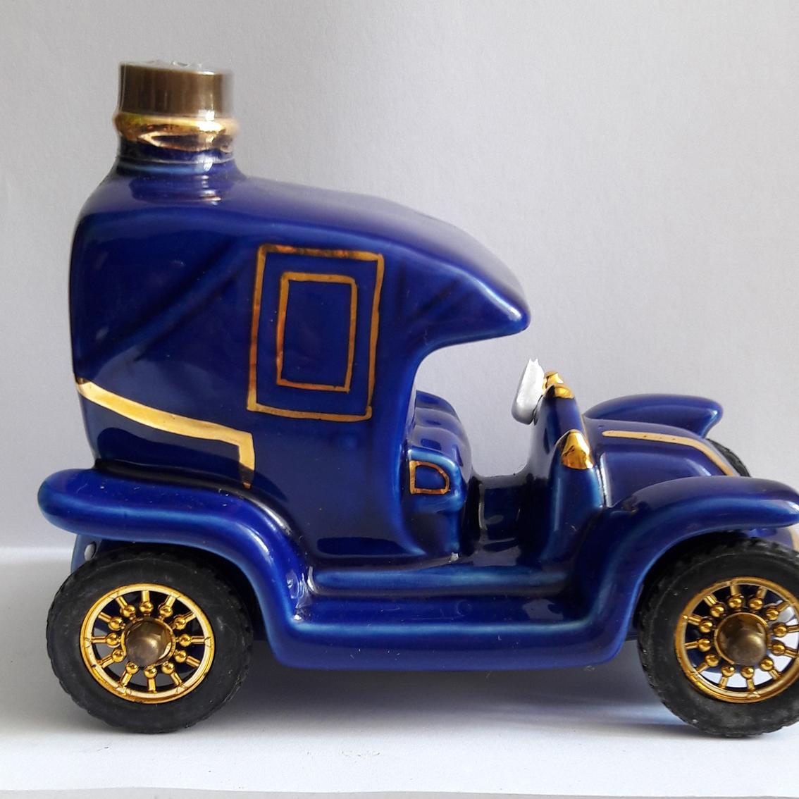 COGNAC-RENAULT-CAR-BLUE-1-E